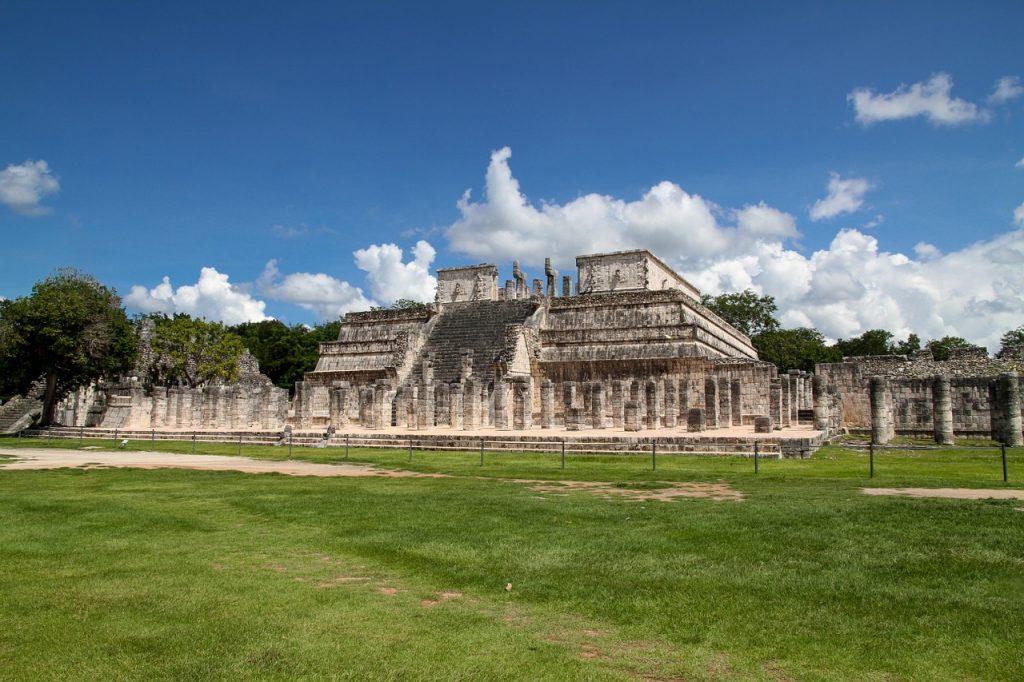 Zona Arqueológica de Chichen Itzá Península de Yucatán Zonas arqueológicas de México